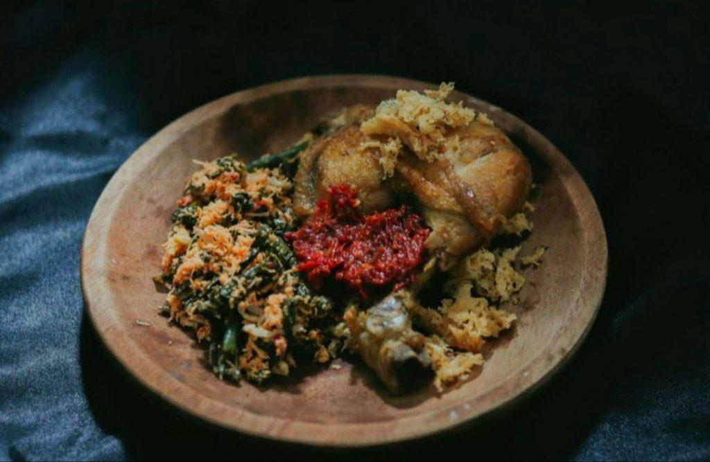 Ayam sayur urap